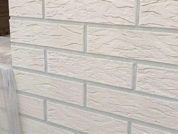 Кирпич белый Рустик 0,7НФ ОСМиБТ Старый Оскол Евро 250х85х65
